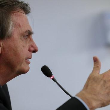 Para Bolsonaro, decretos de lockdown têm superado estado de sítio