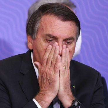 Bolsonaro afirma que pandemia está 'chegando ao fim' e que 'pressa da vacina não se justifica'