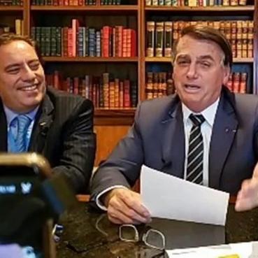 """""""Sem voto impresso, é sinal de que não vai ter eleição"""", diz Bolsonaro"""