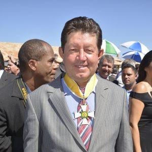 Prefeito de Cocalzinho de Goiás recebe honrarias da Ordem do Mérito Anhanguera