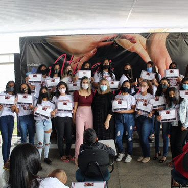 A Prefeitura de Águas lindas junto com projeto Ativas e Criativas Cerimônia faz entrega de diplomas