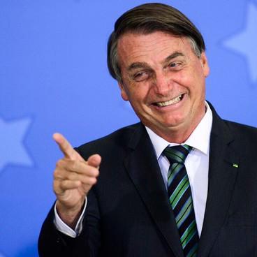 Bolsonaro acusa Fachin de ligação com o PT e diz que brasileiros não querem Lula em 2022