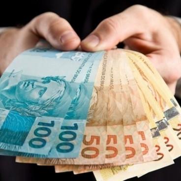 14º salário: Governo quer antecipar para quem ganha até dois salários mínimos
