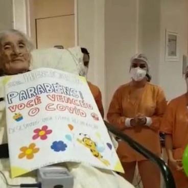 Recuperada da Covid-19, idosa de 110 anos recebe alta de hospital