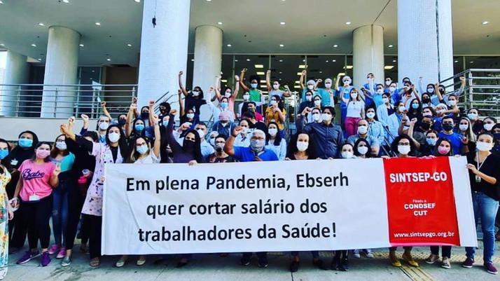 Funcionários do Hospital das Clínicas da UFG entram em greve e paralisam 50% do atendimento médico