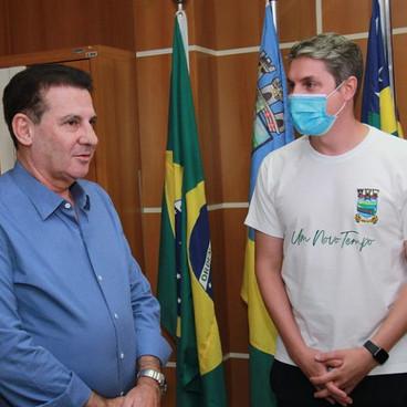 Senador Vanderlan Cardoso visita Águas Lindas de Goiás e promete emenda para o município