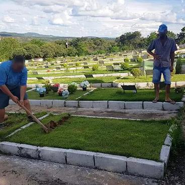 Coveiros de Formiga enterravam caixões vazios para receber propina, diz MPMG