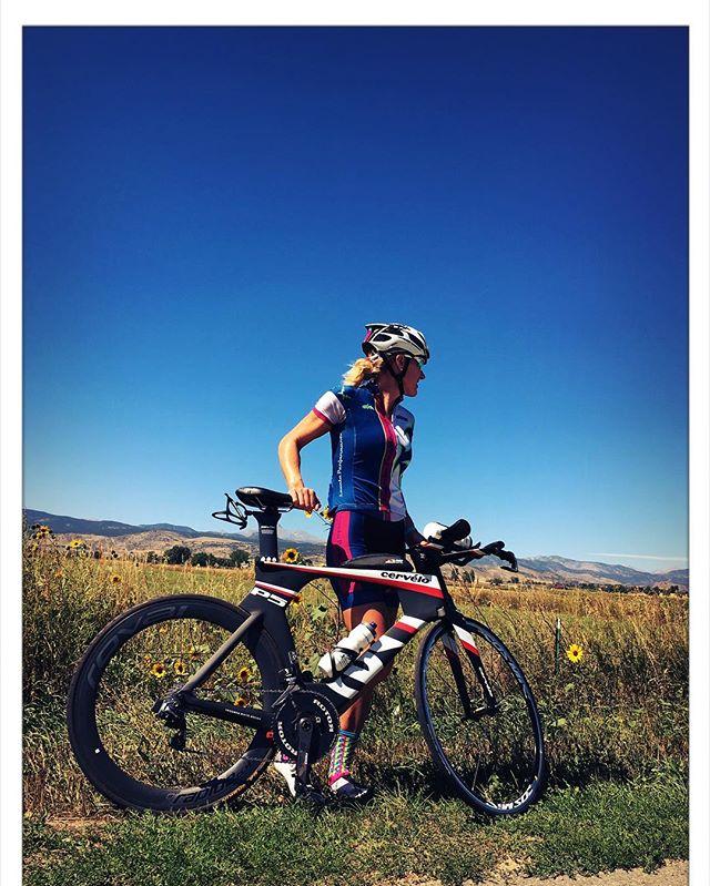 September in Colorado 🚴🌻☀️🌾 #triathlontraining #triathlon #ride #bike #venusbikes