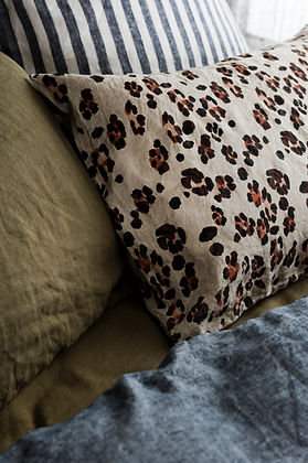Society of Wanderers Leopard Pillowcase Set