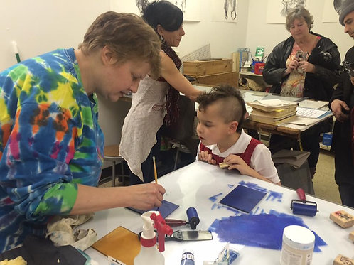 FREE Nonprofit on-the-go art education booth