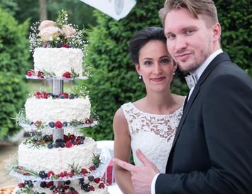 Traumtortenatelier Laufer macht Brautpaar überglücklich