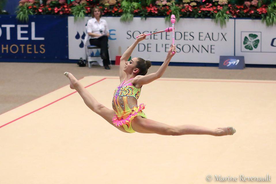 Hélène - Compétition