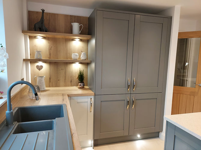 Traditional Fitted Kitchen, desgined and supplied by Kitchen Craft Design Chesterfield & Sheffield