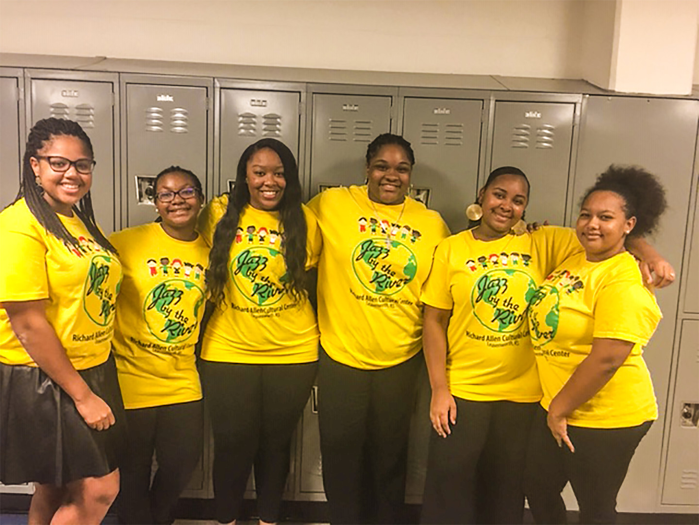 DGDA Volunteering at 2018 RACC Benefit C