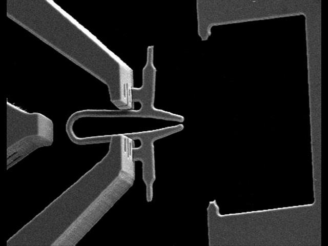 changeable nano tool tip