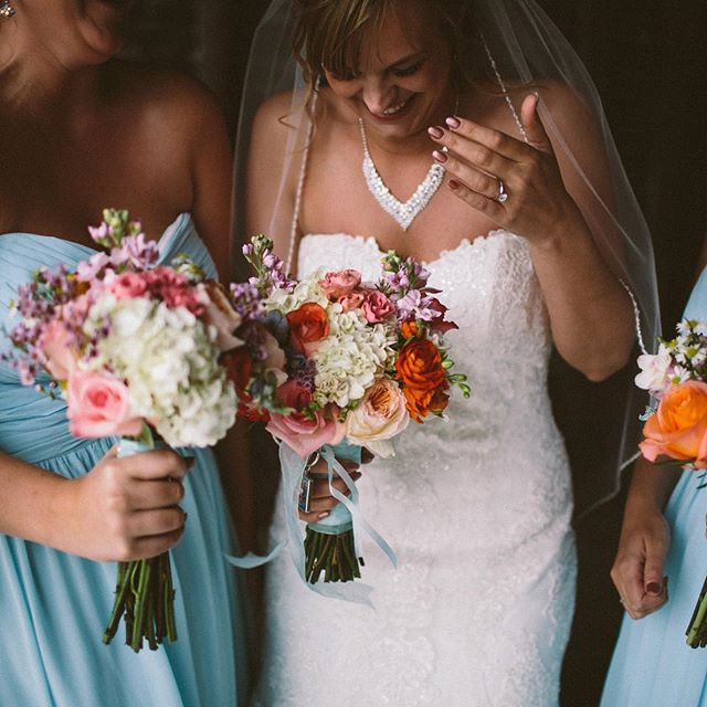 We love to catch our #brides on their #wedding day having fun with their besties!Floral _ _janetanns