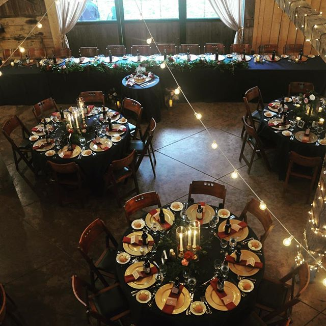 Beautifully dressed barn _homesteadevents lighting and floral design _janetannsdesignanddecor Rootbe