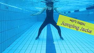 תרגלי כושר בבריכה