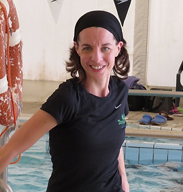 ענת גרבר במהלך השתלמות אקווה ג'ים בבריכה