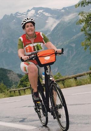 Dunk fietst weer de Alpe d' Huez