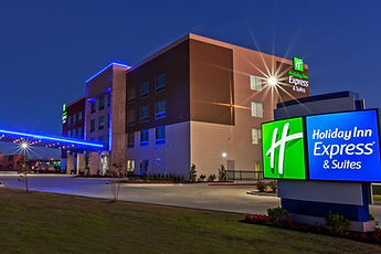 holiday-inn-express-and-suites-sand-spri