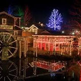 Dollywood Christmas.jpg