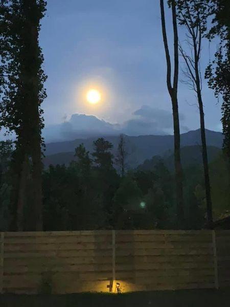 moon over Mt. LeConte.JPG