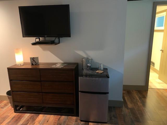 Room1 Dresser.jpg