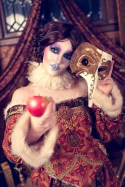 Dark Snow White Cosplay