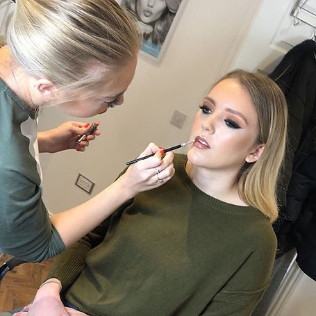 Want to become an MUA_ Or learn somethin