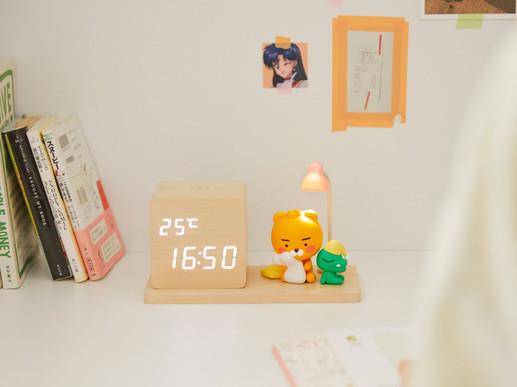 Kakao Wireless Charging Moodlamp Clock