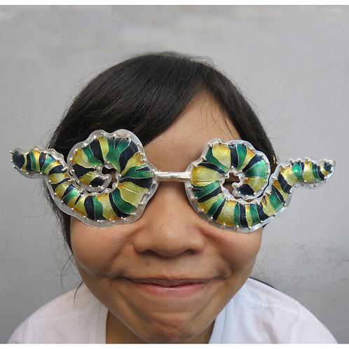 Metamorphous glasses
