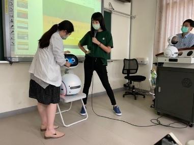 高齡患者的科技照護+機器人輔具示範服務