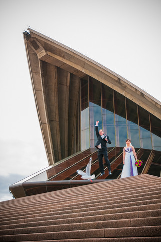 sydney-opera-house-wedding-harbour-fist-