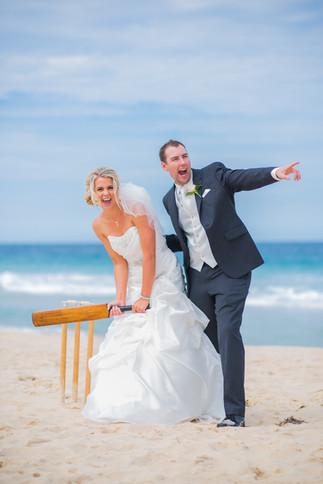 wollongong-beach-cricket-wedding-photogr