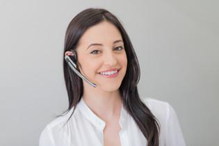 dental-spot-portrait-receptionist-assist