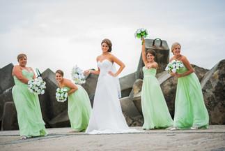 wollongong-lighthouse-wedding-bridesmaid