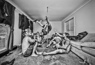 pole-dancing-wedding-leg-spread-splits-p