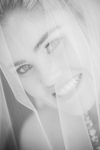 sydney-wedding-portrait-veil.jpg
