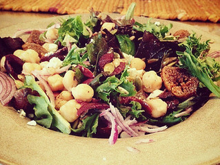 Recipe: Mixed Greens with Chickpeas and Figs