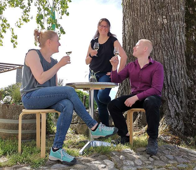 Perey Vignerons-Encaveurs - Solange, Lucie et Tristan Perey
