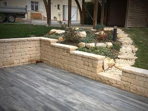 Mur et terrasse
