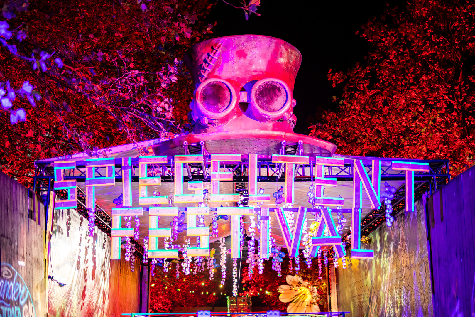 Spiegeltent-Festival-EHF00103.jpg