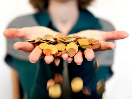 Cuando usted gasta, ¿lo hace desde la escasez o desde la abundancia?