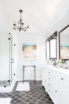 emily-henderson-spanish-house-bathroom-4