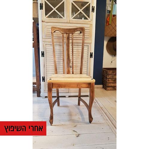 2501009 שיפוץ כסא עץ