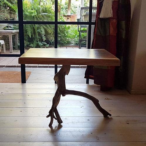 2501007 שולחן עץ לקפה