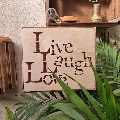 """2201012 שלט עץ """"Live Laugh Love"""""""