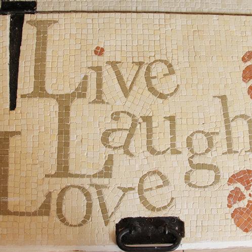 513 שבלונה LIVE LAUGH LOVE