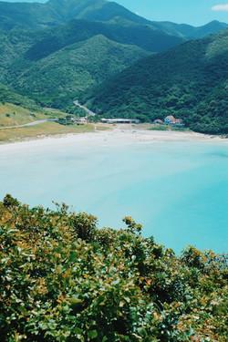 湖と山岳風景